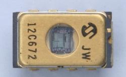 Microchip PIC12C672/JW